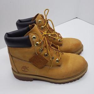Boys timberland wheat boots size 3.5 style 12909